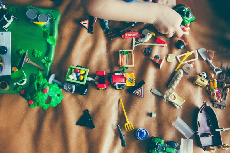 Zabawki na prezent w różnych cenach – znajdź coś dla siebie!